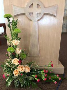 14th Sunday, 6/7/2019, Joanne Large Flower Arrangements, Flower Arrangement Designs, Funeral Flower Arrangements, Altar Flowers, Church Flowers, Funeral Flowers, Church Altar Decorations, Flower Decorations, Exotic Flowers