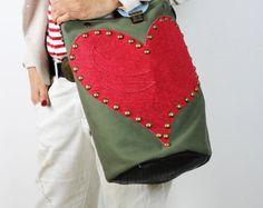 Lona y el cuero verde militar de bolso de mano con cuero rojo corazón/bandolera militar lona del cubo y del cuero-RedHeartEC10