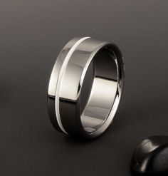 http://www.ringtoperfection.com/unique-mens-engagement-rings/