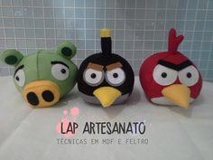Personagem em feltro no tema Angry Birds com 15 cm de altura. Produzido com enchimento anti alérgico. Preço unitário, caso deseje o trio coloque 3 unidades.    Obs: Faço qualquer personagem e tamanho, consulte o valor e o prazo de produção.