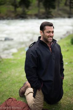 Innocences shows in your eyes with your killing smile New Movies List, Movie List, Salman Khan Photo, Aamir Khan, Preity Zinta, Movie Teaser, King Of Hearts, Handsome Actors, Upcoming Movies