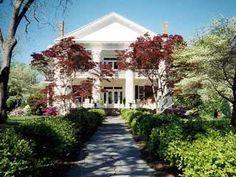 Southern plantation mansion, built in 1913 in Sardis / Selma, Alabama