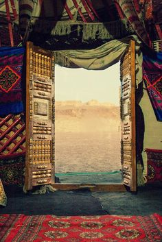 A door opened to the desert, the cradle of Al Andalus...