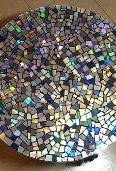 CD Mosaic Tabletop Cd Mosaic, Mosaic Garden, Mosaic Crafts, Mosaic Projects, Mosaic Glass, Fused Glass, Mosaic Mirrors, Metal Garden Art, Stained Glass