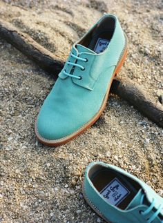 Ermmmm.... how awesome are these vegan shoes from French brand Good Guys? Very... ;-)