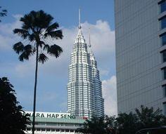 Discover the Malay peninsula kuala lumpur petronas towers.
