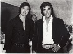 Singer Engelbert Humperdinck is joined by Elvis Presley backstage at the Riviera Hotel and Casino in Las Vegas, NV on Thursday, May 25, 1972. Elvis saw Engelbert's show on that day. Humperdinck performed at the Riviera from May 24 to June 25, 1972. Also see these photos: https://www.pinterest.de/pin/380906080976730706/ and  https://www.pinterest.de/pin/380906080976730525/