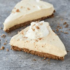 Keto Pumpkin Cheesecake is always the answer, no matter the question. Check out this easy recipe to make a Fall favorite low carb style! Dessert Bars, Dessert Mousse, Keto Dessert Easy, Dessert Recipes, Recipes Dinner, Low Carb Cheesecake Recipe, Cheesecake Brownies, Pumpkin Cheesecake, Cheesecake Bites