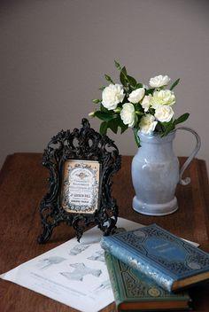 一目ぼれの写真立て&アクセサリートレイ♪ : 美しいアンティークと花のある暮らし by Favorites!