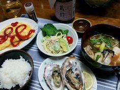 食べ過ぎだぁ…(^^; - 36件のもぐもぐ - 晩御飯(パスタサラダ、牡蠣のお味噌汁、オムレツ、焼き牡蠣) by shelleell