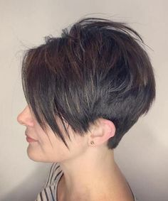Chic Side Swept Short Shaggy Haircuts 2018 for Women
