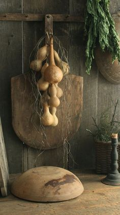 Large Old/Vintage/Antique Wooden Peel w/Hanging Dried Gourd Cluster Garland