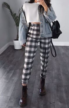 sophisticated work attire and office outfits for women to look stylish and c. - sophisticated work attire and office outfits for women to look stylish and chic 20 Edgy Outfits, Cute Casual Outfits, Mode Outfits, Office Outfits, Office Attire, Grunge School Outfits, Fashionable Outfits, Cute Pants Outfits, Plad Outfits