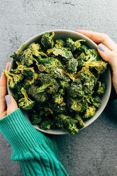 Raw Vegan Cheezy Broccoli Chips made in the dehydrator. #veganrecipes #whatveganseat #rawvegan #plantbased via @sproutingzeneats