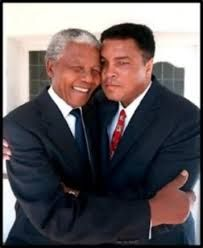 Nelson Mandela and Muhammad Ali. I love this picture because I LOVE LOVE LOVE Muhammad Ali. I grew up in his heyday.he was an icon for me. Mohamed Ali, Nelson Mandela, My Black Is Beautiful, Beautiful People, Photo Star, Non Plus Ultra, African American History, History Facts, Black People