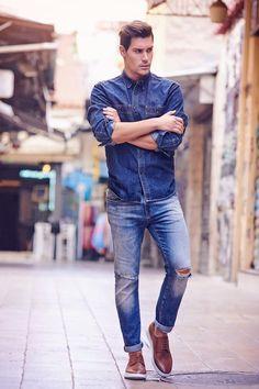 """Η πιο """"αναπαυτική"""" τάση της σεζόν σε θέλει με oxfords που θυμίζουν sneakers! Brown #Sagiakos oxfords Fall Winter, Autumn, Urban Chic, City Style, Smart Casual, Oxford, Hipster, Clothing, Men"""