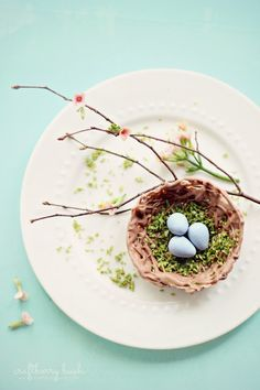 Craftberry Bush: Chocolate Nest Bowl - a tutorial Easter Candy, Easter Eggs, Easter Food, Animal Themed Food, Chocolate Nests, Easter Holidays, Spring Blossom, Easter Recipes, Easter Ideas