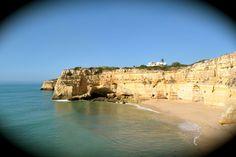 Follow Your Trolley hat sich von Beginn an dem Flashpacking-Gedanken verschrieben. Auf der Suche nach Bed & Breakfasts, Boutique-Hotels und anderen stilvollen Herbergen an der Algarve, ist diese Best-of-Liste entstanden – mit individuellen, chicen und leistbaren Unterkünften, die das Flashpacker-Herz erfreuen. Hier ist sie endlich, die lang ersehnte Liste meiner Lieblingsherbergen an der Algarve! Schon seit einiger Zeit im Offline-Modus gehortet, habe ich meine ganz persönliche Auflistung...