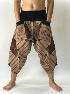 Bohemian Pants, Hippie Pants, Bohemian Men, Ethnic Fashion, Look Fashion, Fashion Outfits, Fashion Ideas, Samurai Pants, Cool Outfits