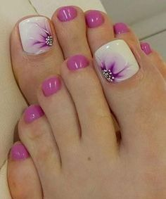 20 Best Toe Nail Art Designs for Every Event