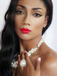 Makeup Feature - En MODe by Shevon