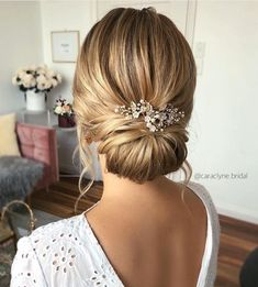 100 Prettiest Wedding Hairstyles For Ceremony & Reception - weddinghair updo hairstyle bridalhair ,bridal hairstyle ,wedding updo messyUpdos 651262796096038695 Wedding Hair And Makeup, Wedding Beauty, Bridal Beauty, Hairstyle Bridesmaid, Hairstyle Wedding, Wedding Hair Buns, Hair Pieces For Wedding, Bridesmaid Hair Updo Braid, Wedding Bun Hairstyles