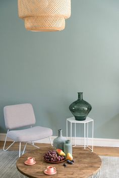 Le vert sauge est LA nouvelle couleur tendance et on craque complètement ! Home Tumblr, Wall Colors, House Colors, Interior Design Living Room, Living Room Decor, Interior Livingroom, Living Rooms, Wall Design, House Design