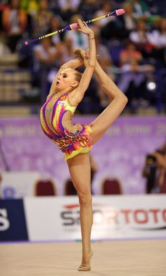 Russia's golden streak in Rhythmic Gymnastics continued at the 2014 World Rhythmic Gymnastics Championships in Izmir (TUR), with Yana Kudryavtseva earning the World title with the Clubs.