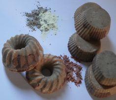 χειροποίητο σαπούνι ελαιολάδου με θείο, άργιλους και θεραπευτικά βότανα από τον κήπο μου.  κατάλληλο για δερματικά προβλήματα