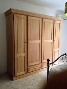 Armadio in legno massello, legno grezzo