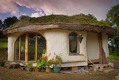 roundhouse for a friend by Simon Dale, built in a month with the help of family and neighbors