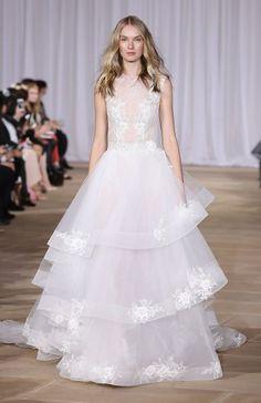 Vestidos de novia con falda voluminosa 2017: Luce como un auténtica princesa Image: 2