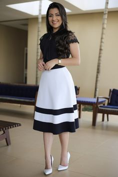 Saia Midi Agatha Aquila Tauhney Store Moda Evangelica is part of Skirt fashion - Classy Summer Outfits, Best Casual Outfits, Modest Outfits, Skirt Outfits, Modest Fashion, Spring Outfits, Dress Skirt, Fashion Outfits, Swag Dress