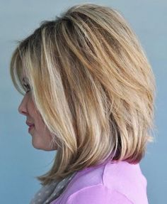Shoulder Length Soft Graduated Bob Style Hairdo - 14 Medium Bob Hairstyles for Women Over 50 – Medium Hairstyles & Cuts Long Angled Bob Hairstyles, Medium Short Haircuts, Medium Hair Cuts, Short Hair Cuts, Medium Hair Styles, Bob Hairstyles 2018, Short Hair Styles, Bob Haircuts, Haircut Bob