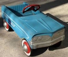 Things from My Youth: Ah..the pedal car..hours of fun! My little sister got it for Christmas and we spent many wonderful hours with it.