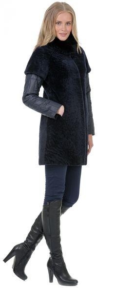 Шуба из мутона артикул 15501411/44 - фото 3 Mantel, Leather Boots, Fur Coat, Suits, My Style, Womens Fashion, Beautiful, Clothes, Outfits