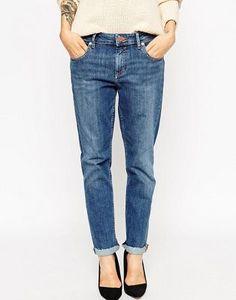 ASOS Kimmi Shrunken Boyfriend Jeans In Charlie Wash