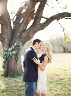 Sweet e-sesh: http://www.stylemepretty.com/little-black-book-blog/2015/03/27/la-rio-mansion-styled-engagement-session/ | Photography: Mint - http://mymintphotography.com/