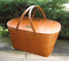 Picnic basket like my mom's - those were the days to go on picnics with your extended family!