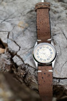 A little old, a little new, a heap of mystery; that's why each of my watches is totally unique. Tap to find out more. Watches Photography, Automatic Watch, Vintage Watches, Gold Watch, How To Find Out, Mystery, Toms, Mens Fashion, Unique