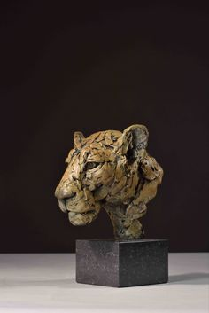Bronze, signed, dated & numbered Uk Arms, Wild Lion, Sculptures, Lion Sculpture, Farm Barn, Majestic Animals, Predator, Big Cats, Kenya