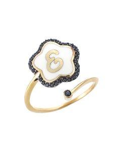 Δαχτυλίδι από Χρυσό 14Κ σε Κίτρινο Χρώμα με Ζιργκόν Αναφορά 018411 Ένα μοναδικό δαχτυλίδι από Χρυσό 14Κ σε κίτρινο χρώμα το οποίο διακοσμείται με το μονόγραμμα (Ε) πέτρες ημιπολύτιμες (ζιργκόν)σε μαύρο χρώμα αλλά και με σμάλτο λευκό. Enamel, Accessories, Fashion, Moda, Vitreous Enamel, Fashion Styles, Enamels, Fashion Illustrations, Tooth Enamel