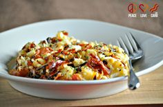 A delicious spin on classic comfort food. This Low Carb Caramelized Onion and Prosciutto Mac and Cheese is also gluten free because it utilizes cauliflower. Paleo Recipes, Low Carb Recipes, Real Food Recipes, Dinner Recipes, Cooking Recipes, Ketogenic Recipes, Ketogenic Diet, Skinny Recipes, Dinner Ideas