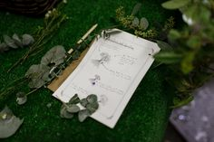 Emilia made a fantastic guide for how to make your own bouquet / rustic / handmade / eucalyptus /