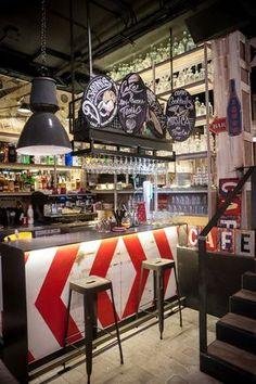 New Vintage Cafe Design Inspiration Shelves 33 Ideas Vintage Cafe Design, Bar Vintage, Vintage Room, Vintage Industrial, Industrial Style, Vintage Style, Bedroom Vintage, Cafe Bar, Deco Design