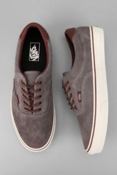 Different Types of Sneakers. I wager it is those sneakers that you use everywhere. Sneaker can be used for lots of things Suede Sneakers, Vans Sneakers, Casual Sneakers, Vans Shoes, Casual Shoes, Shoes Men, Vans Era 59, Tenis Vans, Mens Fashion