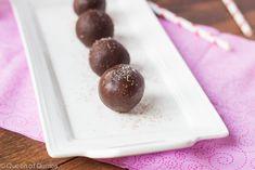 Dark Chocolate Quinoa Truffles - gluten free with vegan option Chocolate Protein Powder, Chocolate Coating, Chocolate Fudge, Chocolate Desserts, Melting Chocolate, Raw Desserts, Dessert Recipes, Dairy Free Recipes, Gluten Free