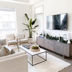Boho Living Room, Living Room Modern, Home And Living, Modern Minimalist Living Room, Minimalist Living Room Furniture, Modern Contemporary Living Room, Living Room Tables, Room And Board Living Room, Beige Sofa Living Room