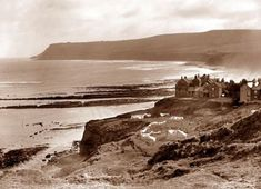 Robin Hood's Bay Photo by Frank Sutcliffe Victorian Photos, Victorian Era, Whitby England, Robin Hoods Bay, Bay Photo, Northern England, Old Images, Stunning Photography, Seaside Towns