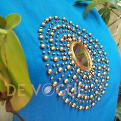 Handworked Salwar Hand Embroidery Dress, Embroidery On Kurtis, Kurti Embroidery Design, Embroidery Neck Designs, Beaded Embroidery, Mirror Blouse Design, Hand Work Blouse Design, Simple Blouse Designs, Brocade Blouse Designs